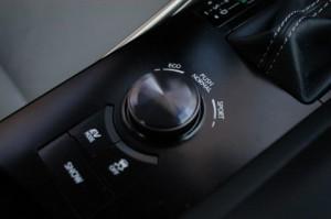 Lexus IS 300h im Test: Schalter
