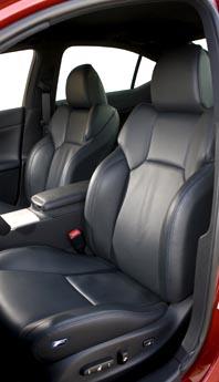 Lexus IS F: Sitze, Vordersitze