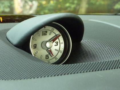 Mercedes 500 SL Test: Uhr, clock