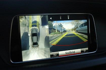 Mercedes E300 Hybrid Test: Parken