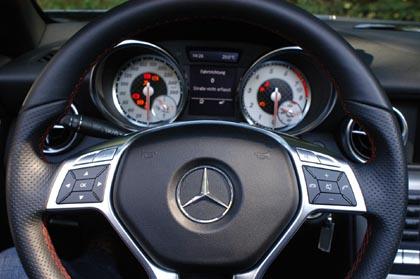 Mercedes SLK 200 Test: Cockpit