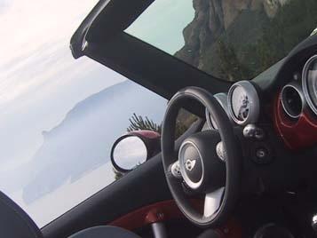 Mini Cabrio 2004: Cockpit, Lenkrad, Instrumente