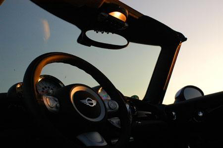 Mini Cabrio John Cooper Test: steile Scheibe
