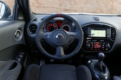 Nissan Juke Nismo: Cockpit, Lenkrad