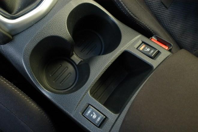 Neuer Nissan Qashqai Ablage, Becherhalter, Sitzheizung