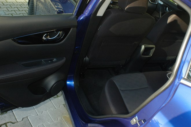 Neuer Nissan Qashqai: hinten sitzen, Beinraum, Fußraum Fond