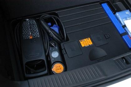 Opel Ampera: Ladekabel, Stauraum