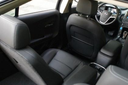 Opel Ampera hinten sitzen