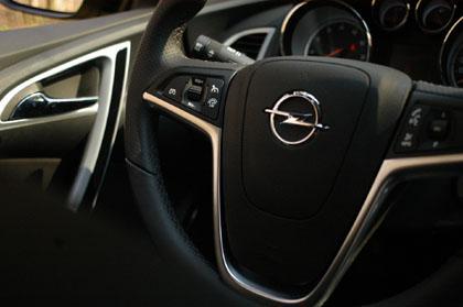 Opel Astra GTC Test: Cockpit