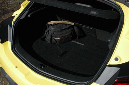 Opel Astra GTC: Kofferraum, trunk, boot