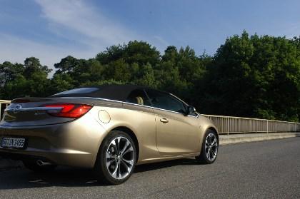 Opel Casacada Biturbo Diesel Test