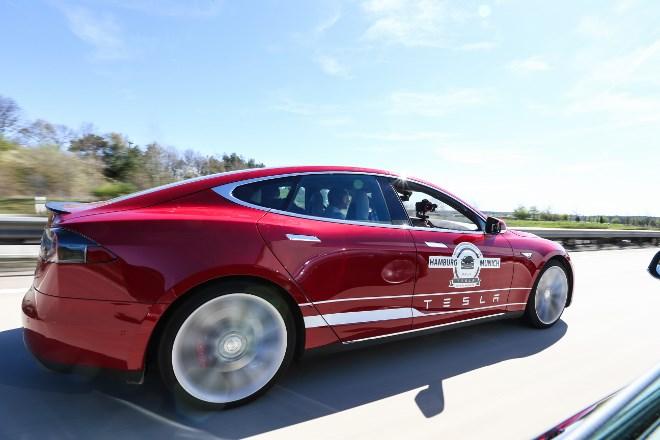 Tesla Model S P85D Fahrbericht
