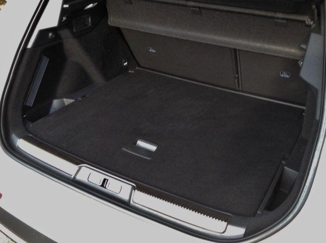 DS7 flacher Kofferraum, Volumen