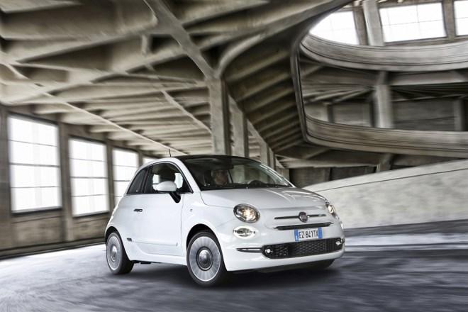 Neuer Fiat 500 von vorne, Seite