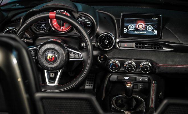 Abarth 124 Rally Tribute, steering wheel