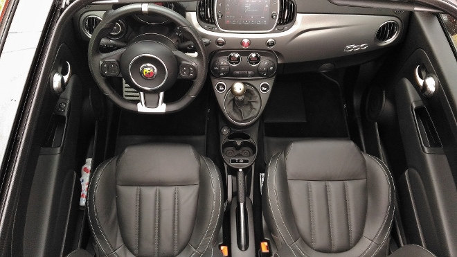 Abarth 595C Turismo Rot innenraum