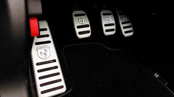 Abarth 595C Turismo Rot Pedale