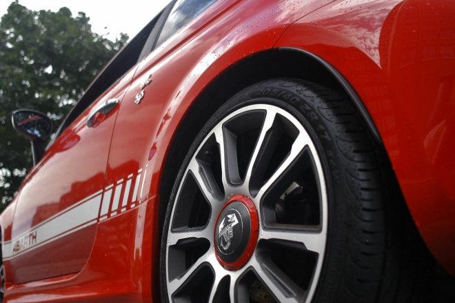 Abarth 595C Turismo Felgen Rot
