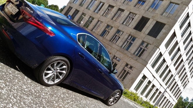 Alfa Romeo Giulia, blau, Heck, Seite
