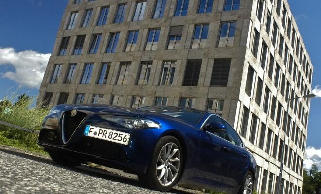 Alfa Romeo Giulia, blau, front