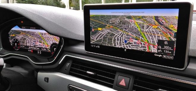 Audi A5 Cabrio TDI Bildschirm Navigation