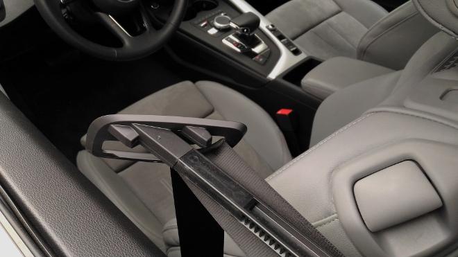 Audi A5 Cabrio TDI Gurt Zubringer