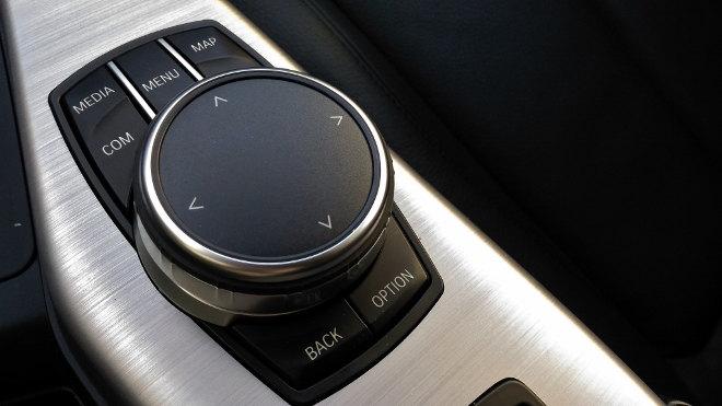BMW 220i Cabrio iDrive Controller