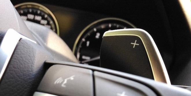 BMW 220i Cabrio Schaltwippen