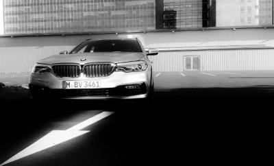 BMW 540d Kombi silbern, Front 2018
