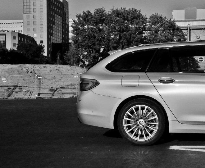 BMW 5er Touring Heck silbern 2018