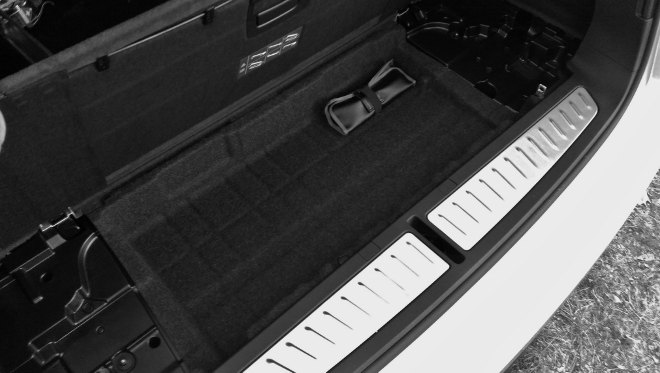BMW 540d Touring Kofferraumfach 2018