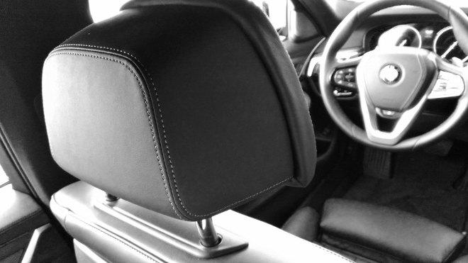 BMW 540d Touring Kopfstütze 2018
