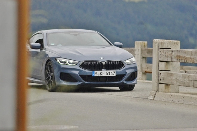 BMW 8er Coupe 840d Front
