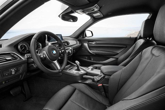 BMW M 240i Vordersitze