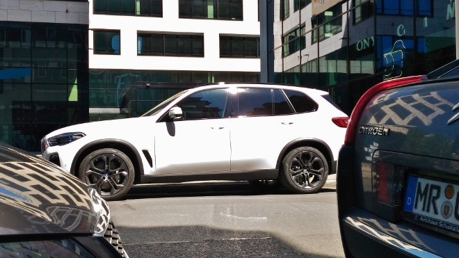 BMW X5 xDrive 30d in weiss