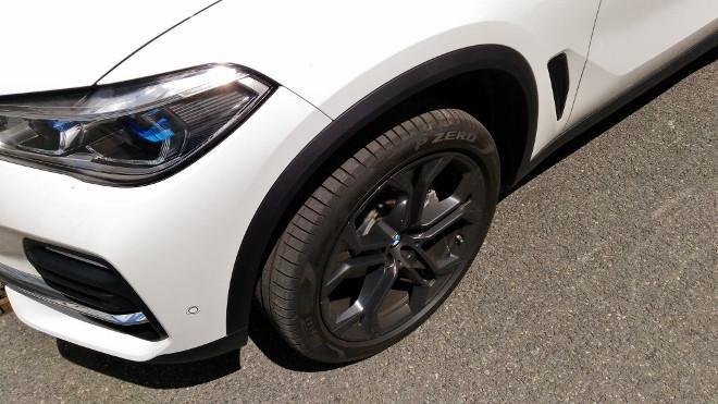 BMW X5 30d Hochposition der Luftfederung, hoch