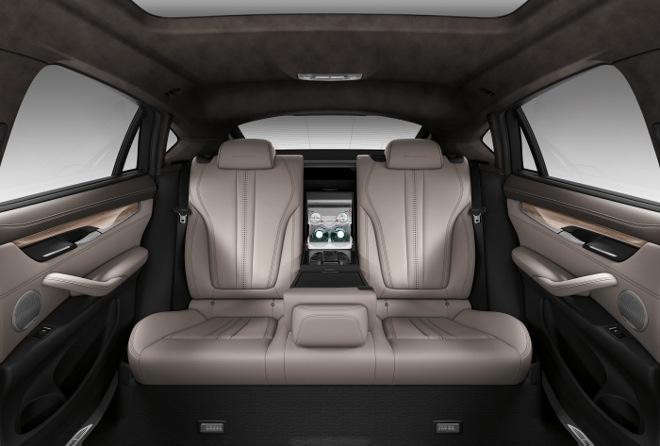 BMW X6 Diesel hinten sitzen Test