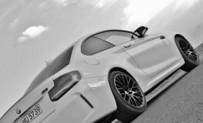 Heckansicht BMW M2 Competition weiss