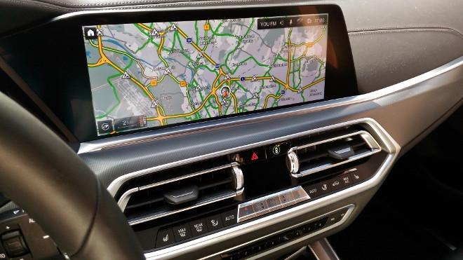 Neuer BMW X5 Bilschirm und Navigationskarte