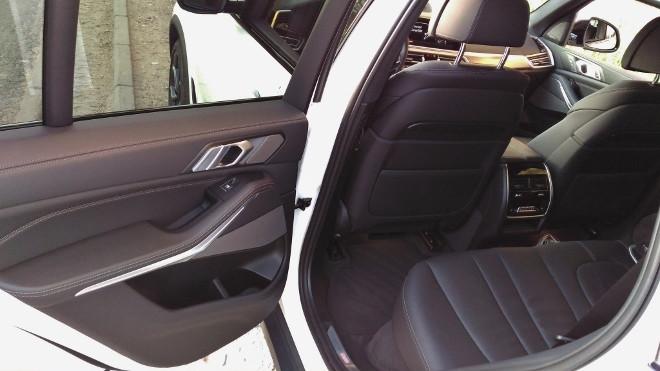 BMW X5 xDrive 30d Sitzbank, hinten sitzen, Beinfreheit