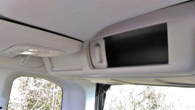 Citroen Berlingo Familienvan: Dachfach hinten