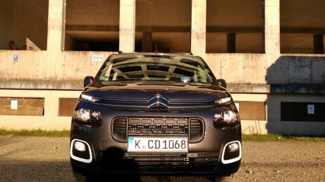 Citroen Berlingo Familienvan: front und Scheinwerfer