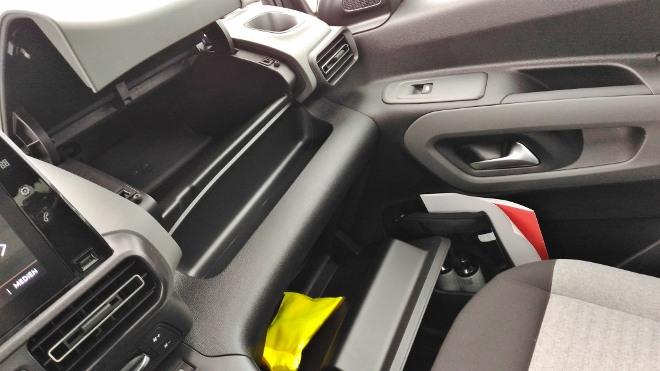 Citroen Berlingo Familienvan: Handschuhfach 1 und 2