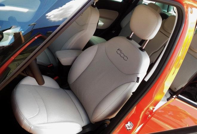 Fiat 500L Cross Facelift 2017 Vordersitze weiss