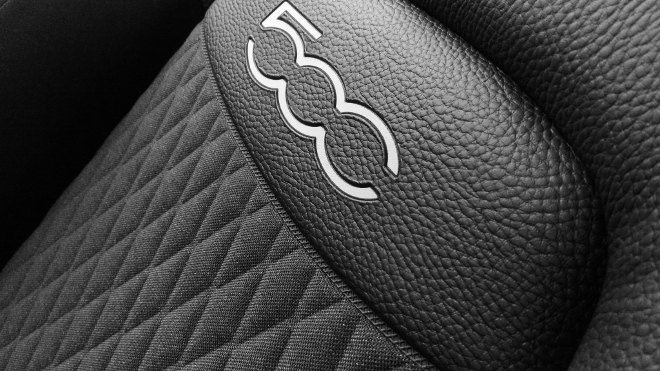 Fiat 500X Facelift Sitze Leder-Stoff