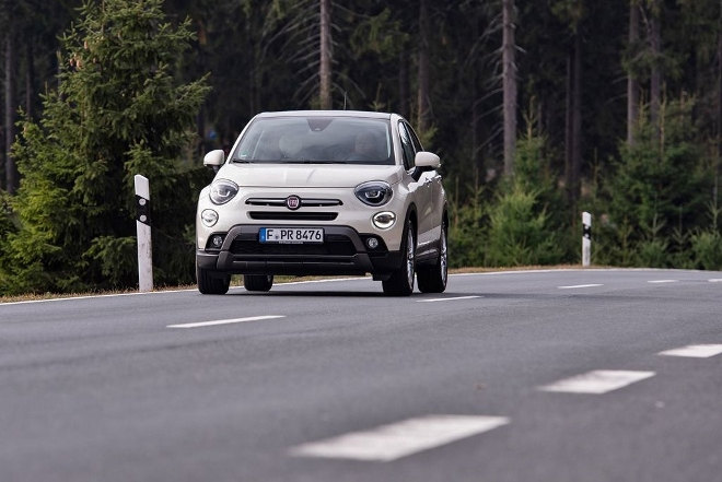 Fiat 500 X Facelift, weiss, Front Heck