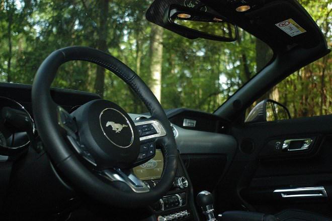 Ford Mustang Cabrio Lenkrad
