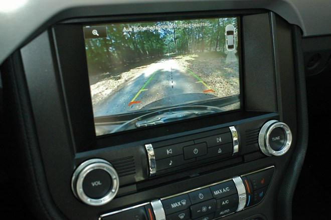 Ford Mustang Cabrio Rückfahrkamera