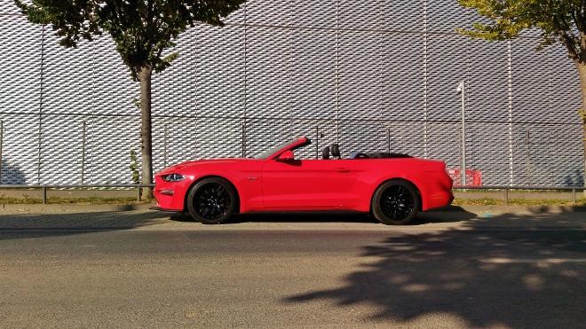 Rot, schwarze Felgen Mustang Cabrio V8 Facelift Mustang Cabrio V8 Facelift