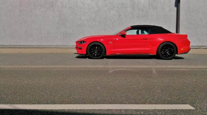 Verdeck geschlossenMustang Cabrio V8 Facelift Mustang Cabrio V8 Facelift Mustang Cabrio V8 Facelift